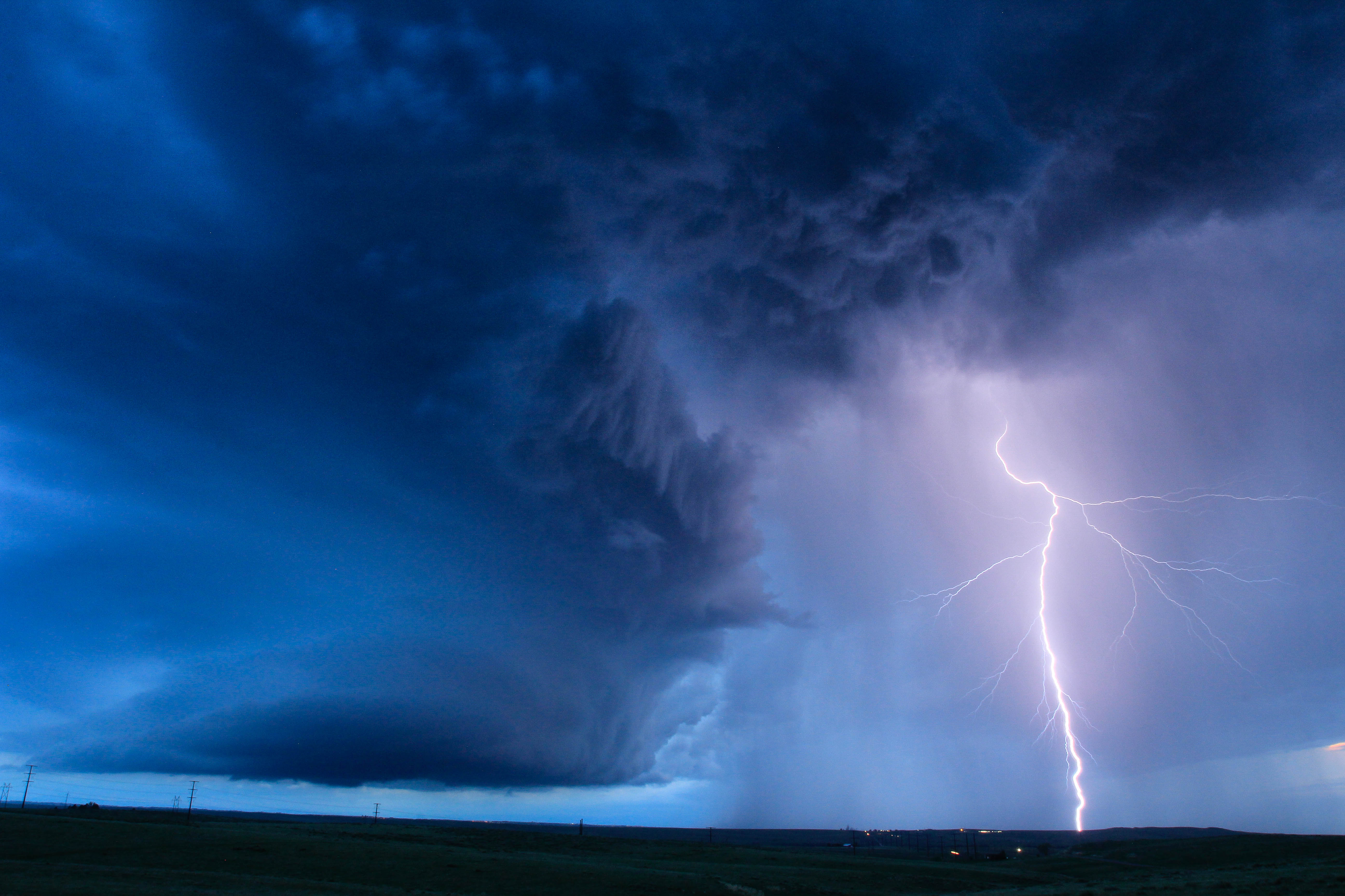 007150603400_Storm_Chase_2015-1