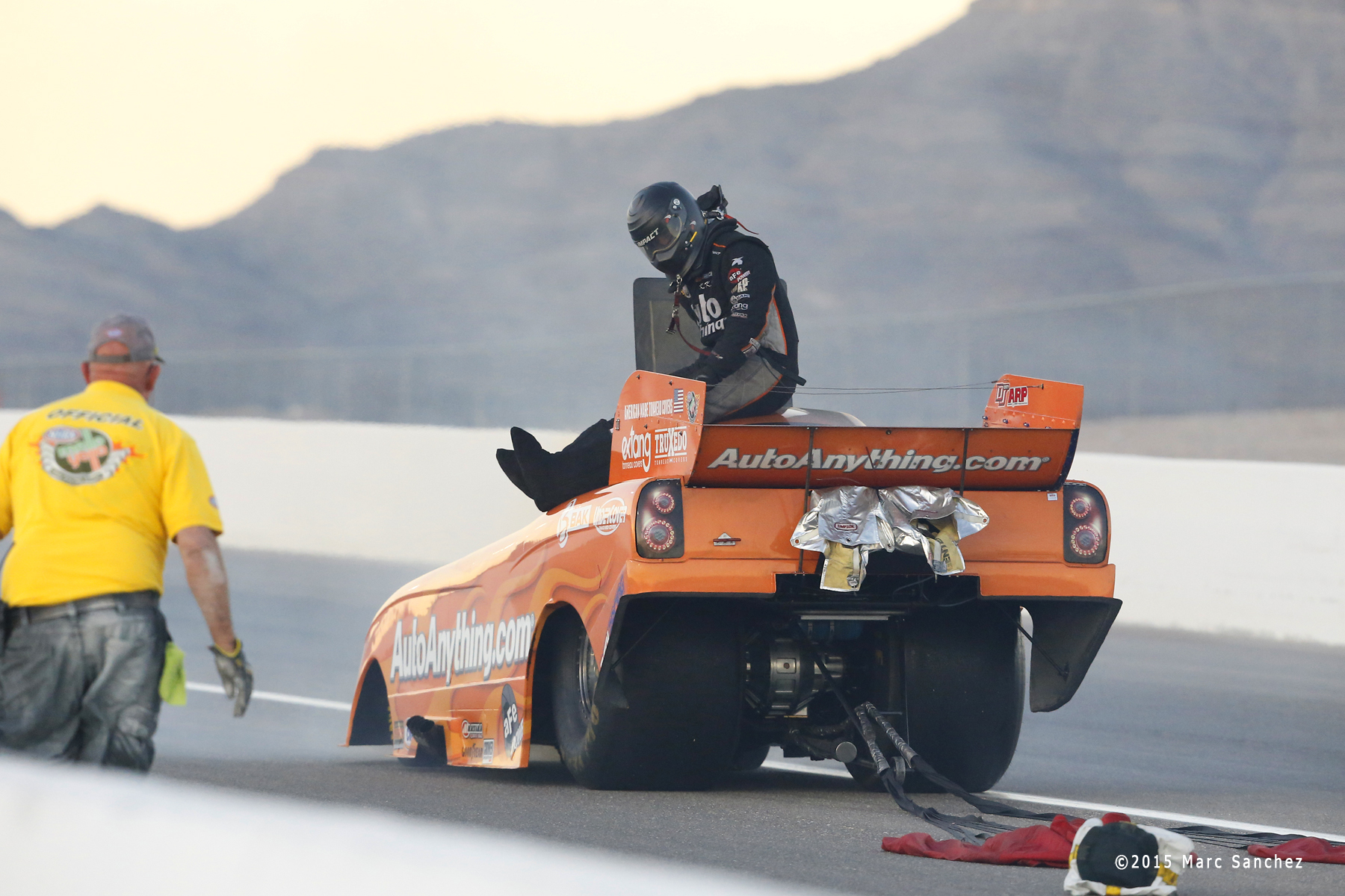 2015 October 31: Brandon Welch (714 FC) blows an engine during the Toyota NHRA Nationals at The Strip at Las Vegas Motor Speedway in Las Vegas, Nevada.  (Photo by Marc Sanchez/Icon Sportswire)
